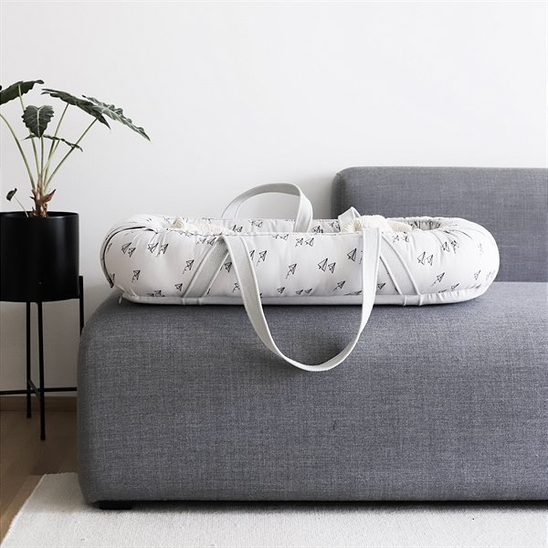 kyddo.shop_Liewood_Babynest_Gro Paper Plane_Dumbo Grey_EUR 115