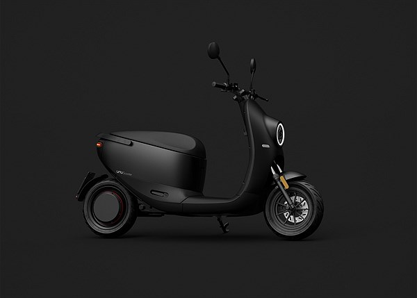 unu Scooter_Product_Wideshot Black